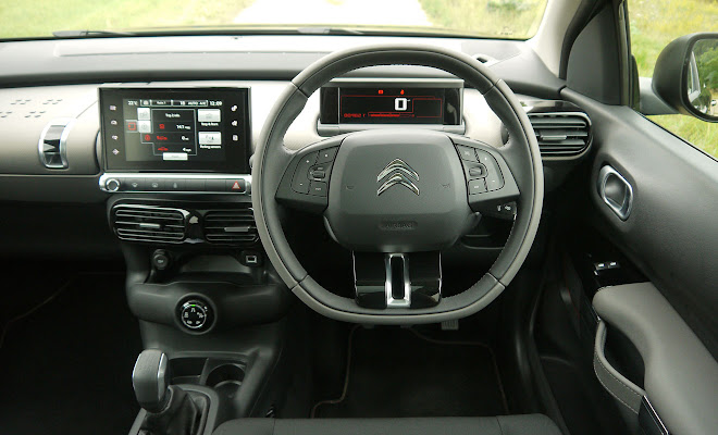 Citroen C4 Cactus Rip Curl cockpit