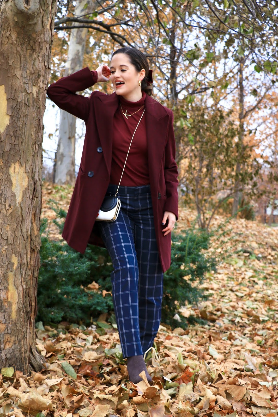 Nyc fashion blogger Kathleen Harper's fall outfit in Naperville, Illinois.