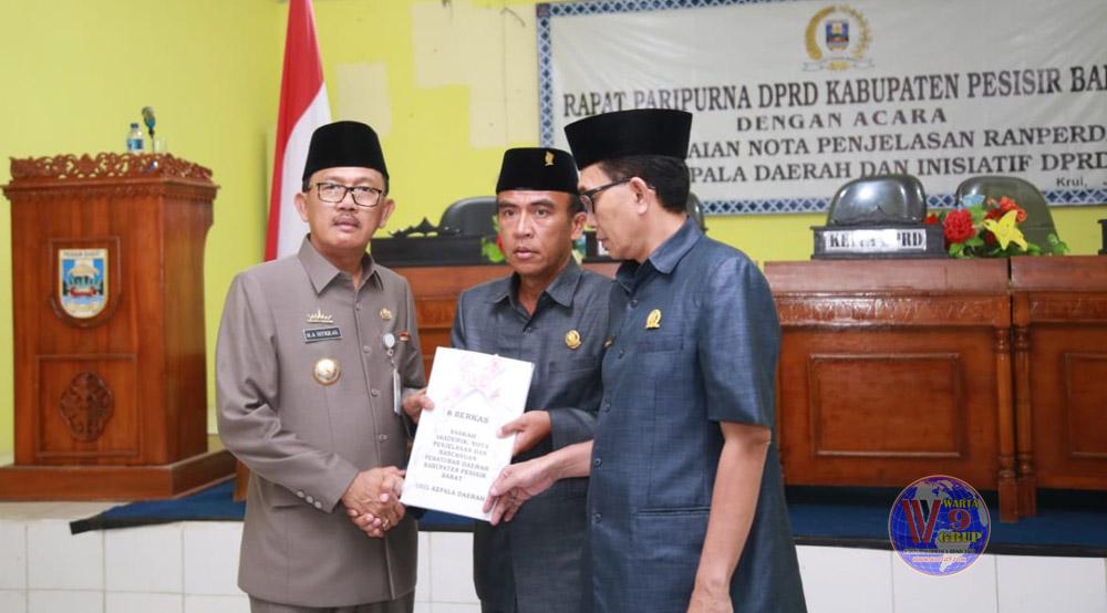 DPRD Pesisir Barat Gelar Paripurna Penyampaian Nota Pengantar 6 Raperda