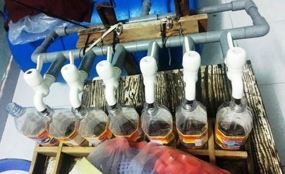 Lật tẩy đường dây sản xuất nước mắm bẩn đưa về TP.HCM 5