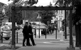 http://fotobabij.blogspot.com/2015/09/w-ramach-fotografii-ulicznej-2.html