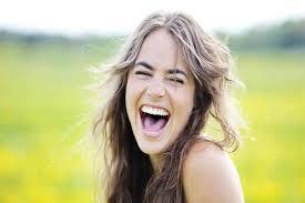 اليكم أهم 10 فوائد صحية للضحك