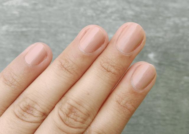 Avon True Colour BB 7-in-1 Nail Enamel Restoring Beige