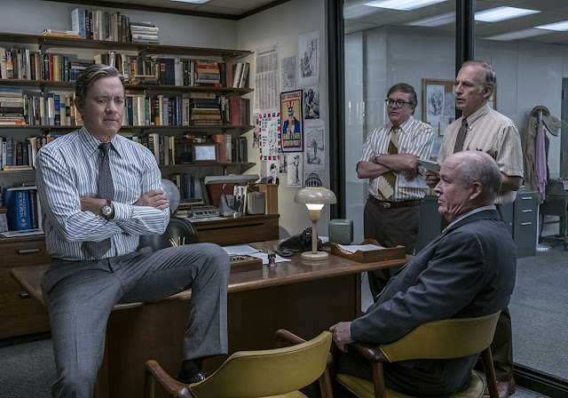 film the post 2018 jurnalistik media duduk meja
