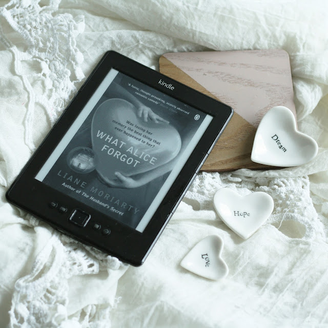 blog-post-book-review-of-what-alice-forgot-by-the-author-liane-moriarty