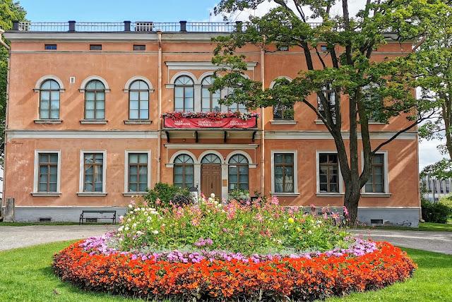 Mieliala Hakasalmen huvila Helsinki