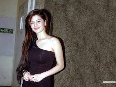 Latest HD Wallpapers of Famous Super star Actress Kainaat Arora. Top Hottest Model and Actress Kainaat Arora HD Pictures gallery for free downloads