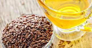 يستخرج زيت الكتان من بذور الكتان المطحونة والطازجة، وهو مصدر كبير للألياف القابلة للذوبان وغير القابلة للذوبان، بالإضافة إلى أحماض أوميغا 3 الذهنية. يساعد زيت
