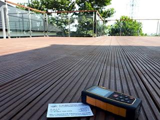 harga lantai Decking kayu outdoor kolam renang