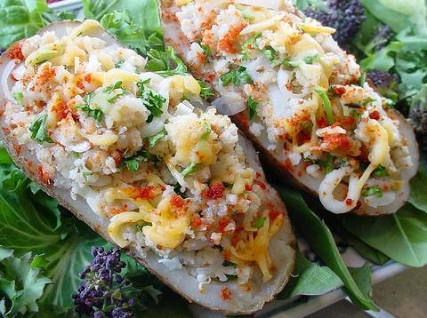 Stuffed Potatoes with Cheese Bread Crumbs and Veggies