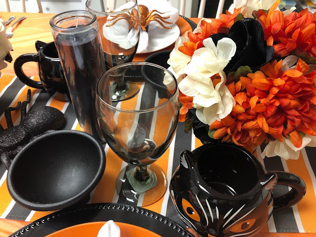 Hocus Pocus Place Setting for Halloween Dinner