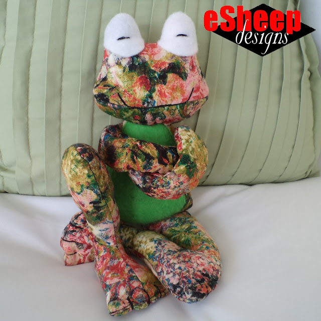 Fritz Frog crafted by eSheep Designs