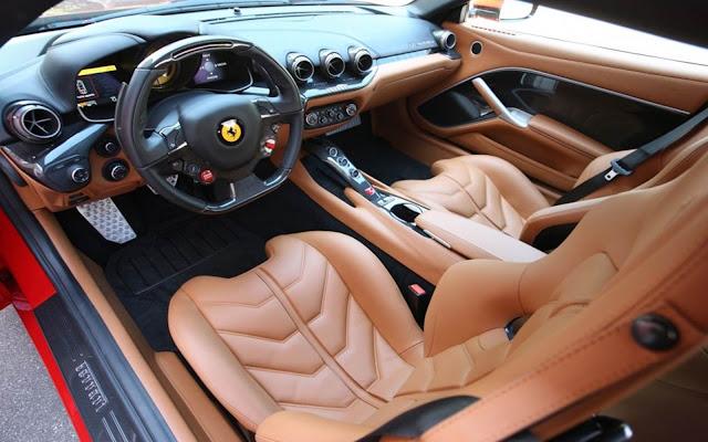 Ferrari F12Berlinetta - interior
