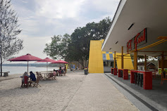 Mau Santuy Atau Seru-Seruan di Pantai?, Yuk ke Pantai M Beach Kalianda, Banyak Fasilitas Menarik!