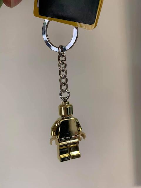 挑了小金人鑰匙圈,感謝卡姊從布拉格樂高店細心挑選的禮物。