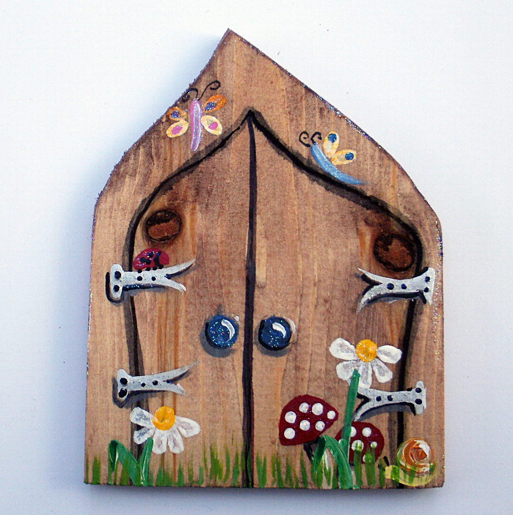 Handcrafted by picto chalkboards fairy doors for Idea behind fairy doors