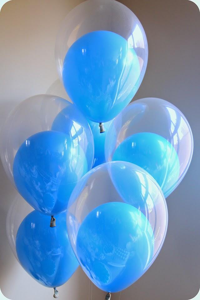 Balão Transparente com Balão Azul Dentro de Gás Hélio