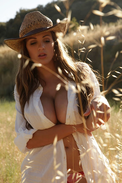 Jordan-Carver-little-farmer-hot-and-sexy-hd-images-from-photoshoot_15