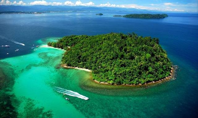 the small islands in indonesia