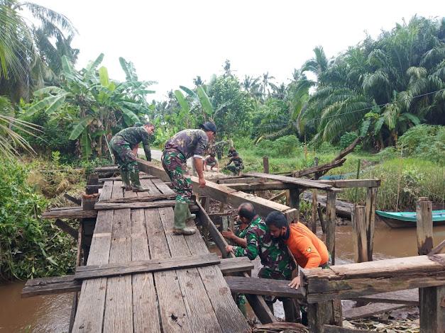 Perjuangan Satgas TMMD Wujudkan Jembatan Penghubung Untuk Masyarakat