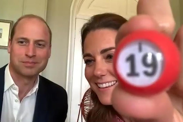 Kate i William podczas gry w Bingo online!