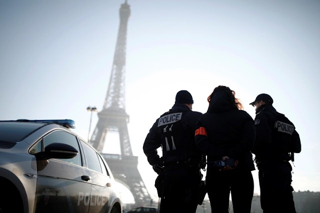 France was late to announce the incident .. Two Muslim women were stabbed in front of their children at the Eiffel Tower