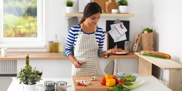 become a more mindful eater and achieve weight loss goals