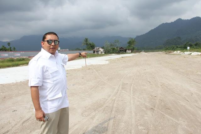 Berfoto di Tol 'Mangkrak' Padang, Fadli Zon Sindir Jokowi