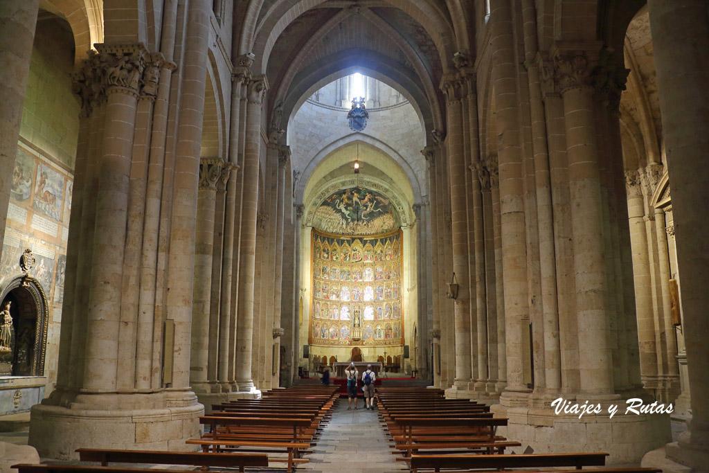 Interior de Catedral Vieja de Salamanca