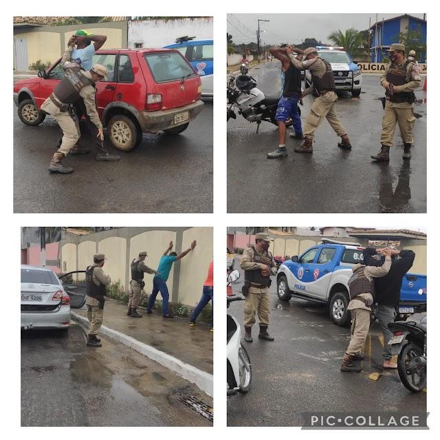 Policiais do Quarto Batalhão realizam a Operação Trânsito Seguro em Alagoinhas