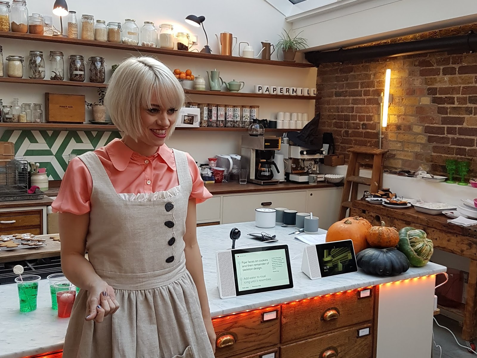 kimberly wyatt with lenovo smart display