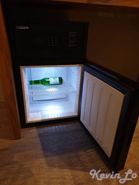 東旅湯宿溫泉飯店-風華漾館靜音式鏡面小冰箱