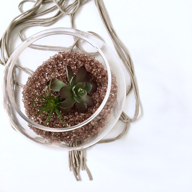 Easy-DIY-macrame-plant-hanger-harlow-and-thistle-9