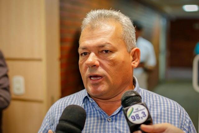 Juiz manda bloquear contas bancárias do ex-prefeito Kim do Caranguejo
