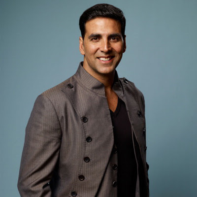 akshay-kumar-is-most-energetic-actor-says-ranveer
