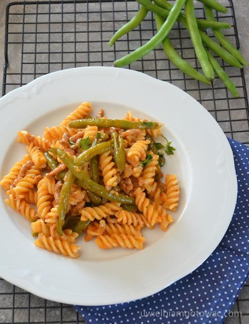 Makaron z mięsem mielonym i fasolką szparagową