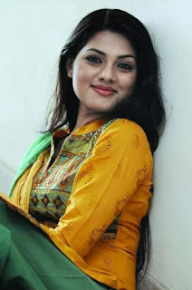 Nusrat Imrose Tisha Bangladeshi Actress Romantic Smile