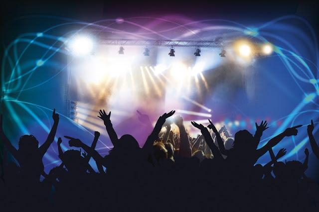 Dukung Idola, Nonton Konser di Luar Kota