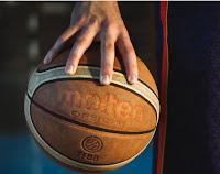 Mano Balón Baloncesto