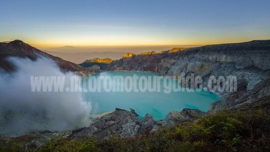 Sunrise Ijen Crater Banyuwangi