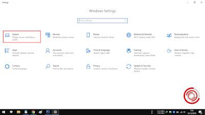 2. Nantinya akan banyak pilihan di menu Settings, silakan kalian pilih System untuk mengatur pengaturan Display, Sound, Notifications, dan Power