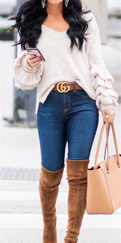 24 Cute Fall Outfits You Should Already Own. Fall Fashion via higiggle.com | sweater outfits | #style #falloutfits #fashion #sweater