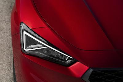 Nuevo SEAT León: la evolución hacia la iluminación más avanzada.