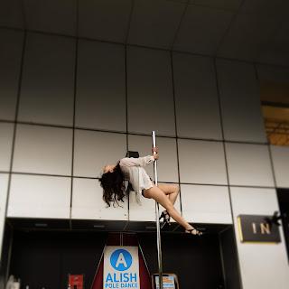 東京タワー 東京 東京タワーでポールダンス イベントステージ ダンス 観光客 子供 フリースタイル ダンスバトル ポールダンスショー ダンスショー ノッポン 公式キャラクター 港区 tokyotower tokyo poledance 女子力 スタイル抜群 腹筋 腹筋女子 美活 美容 セクシー 美尻 美脚 かわいい きれい cawaii 美人