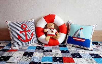 подушка спасательный круг