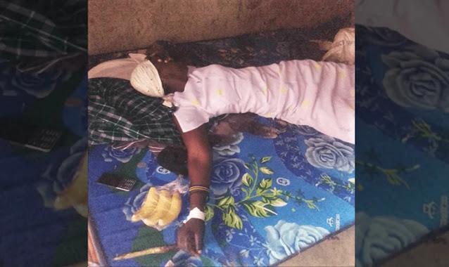 Mulher é forçada a beber pesticida após ter Bíblias encontradas por marido muçulmano