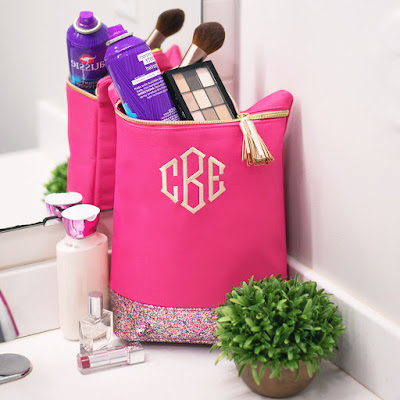 ladies personalized pink glitter ditty bag for bathroom