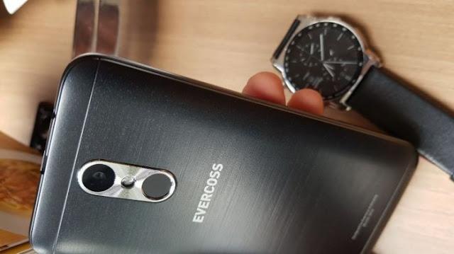 Evercross M50 Smartphone Android 4G LTE Harga Rp 800 Ribuan