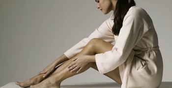 Болит нога к какому врачу идти