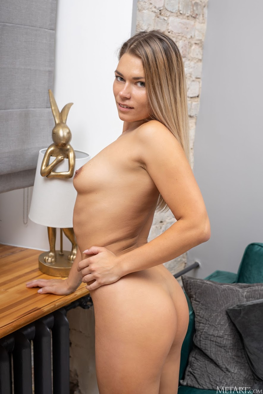 [Met-Art] Paulina - Homebody